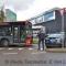 R-net bus botst tegen taxi op Schiphol