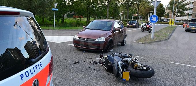 Motorrijder gewond bij aanrijding Doctor Lelylaan Leiden