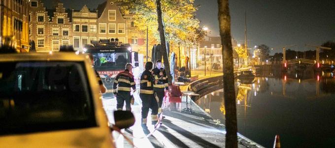 Mogelijk persoon te water in Haarlem